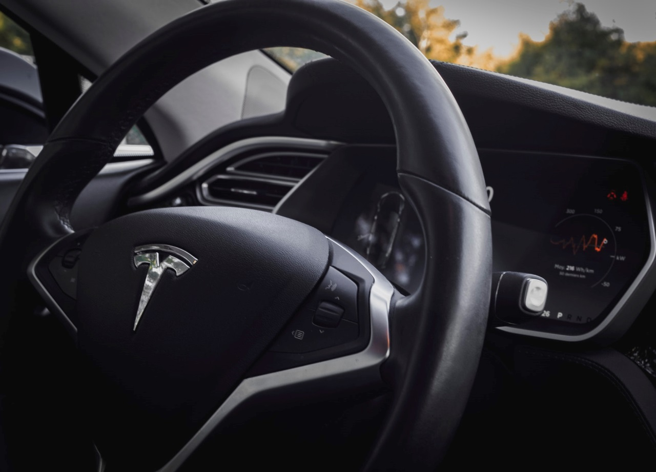 Tesla et sa participation au salon de l'auto à Paris